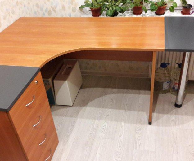 Стол письменный стол тумбой. Фото 2. Казань.
