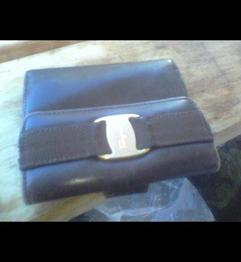 Кожаный кошелёк ferragamo. Фото 1.