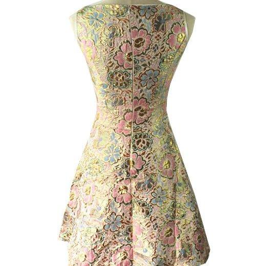 Коктейльное платье новое +подарок. Фото 3. Оренбург.