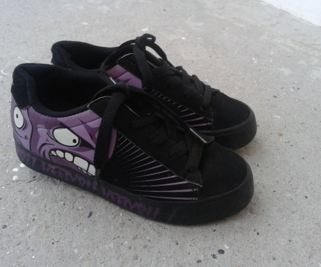 Heelys ( кроссовки с колесами ) 33 размер. Фото 1. Севастополь.