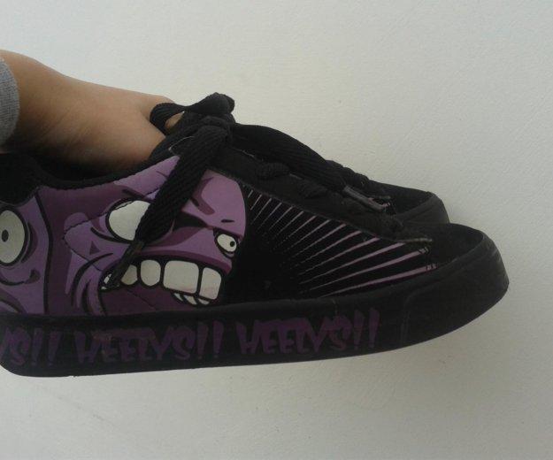 Heelys ( кроссовки с колесами ) 33 размер. Фото 3. Севастополь.