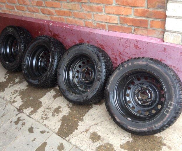 Комплект зимних колёс kumho 195/60 r15 (шипы). Фото 4. Новороссийск.