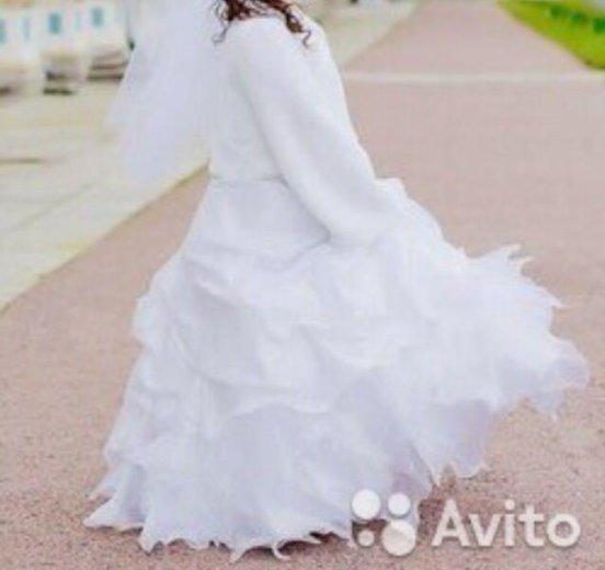 Свадебное платье 48-50 р-ра. Фото 1. Тосно.