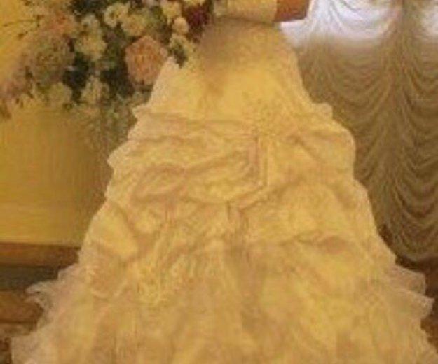 Свадебное платье 48-50 р-ра. Фото 4. Тосно.