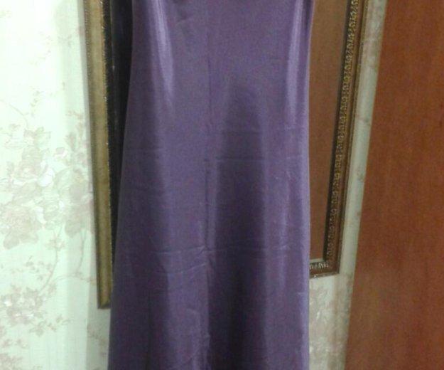 Вечернее атласное платье на тонких лямках. Фото 3. Туапсе.