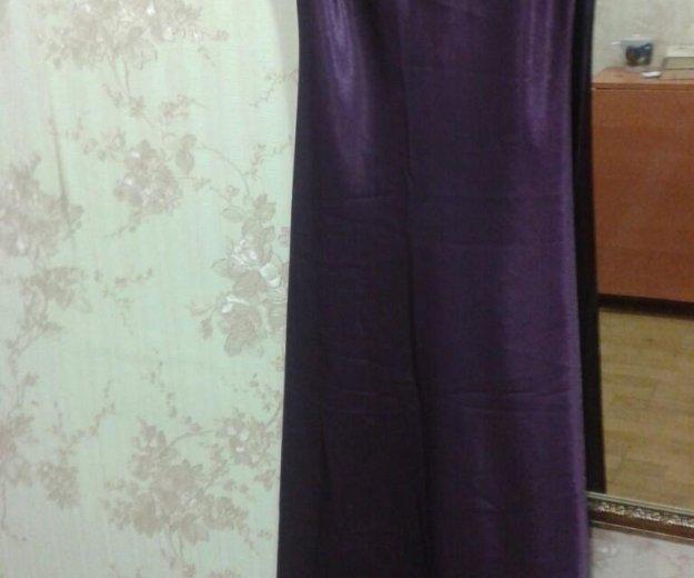 Вечернее атласное платье на тонких лямках. Фото 4. Туапсе.