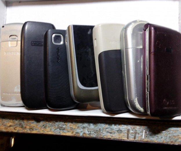 Мобильные телефоны. Фото 3.