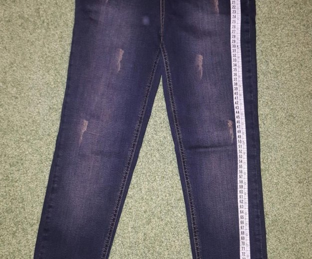 Распродажа новые джинсы на завышенной талии. Фото 1. Видное.