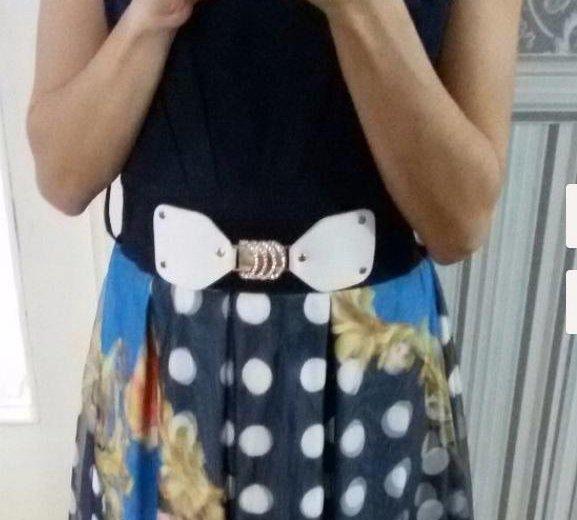 Платье темно-синее с 3d  принтом. Фото 4. Тула.