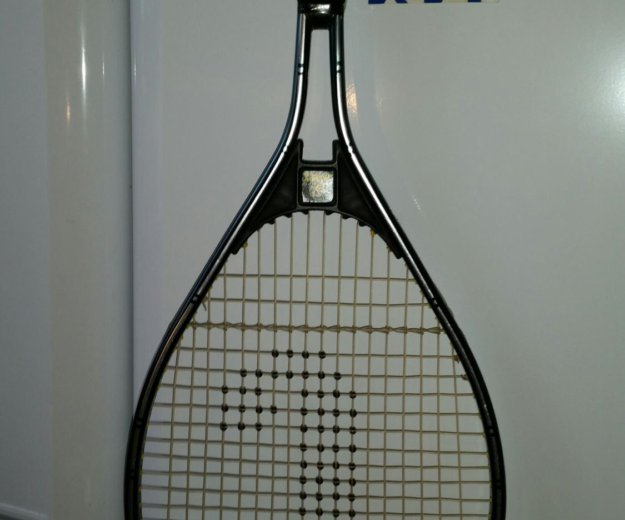 Теннисная ракетка yonex. Фото 3. Москва.