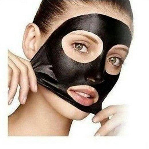Черная маска для лица. Фото 1.