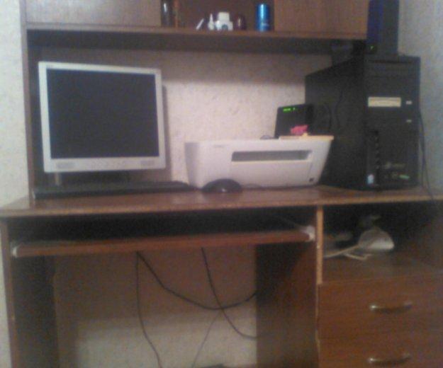Стол компьютерный. Фото 1. Новотроицк.