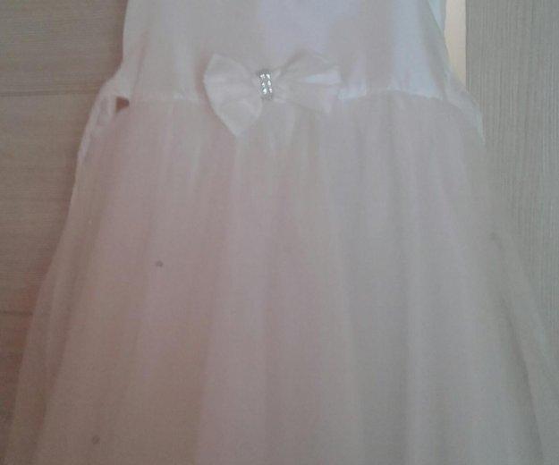Платье рост 110. Фото 1. Нефтеюганск.