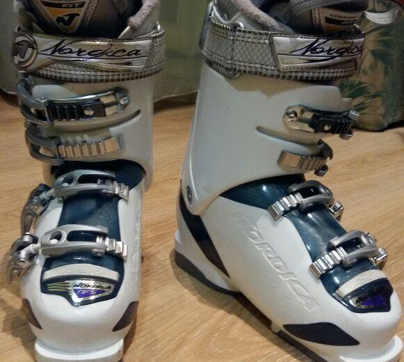 Горнолыжные ботинки nordica. Фото 1. Барнаул.
