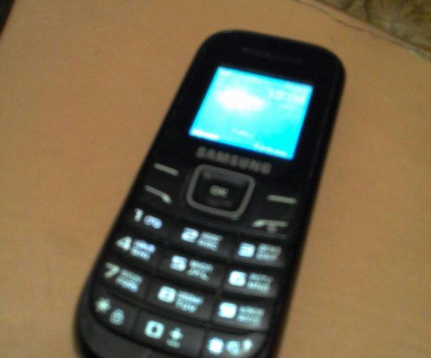 Samsung и зарядник. Фото 1. Барнаул.
