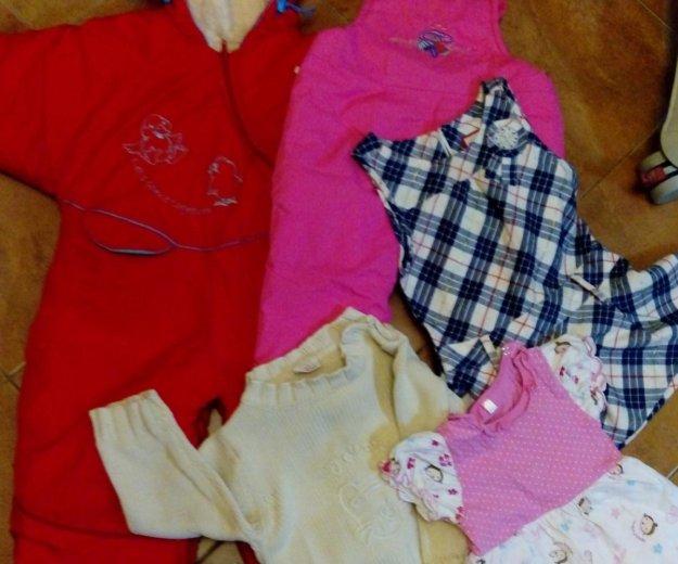 Вещи для девочки пакет+ подарок- ноутбук. Фото 1. Москва.