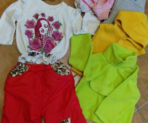 Вещи для девочки пакет+ подарок- ноутбук. Фото 3. Москва.
