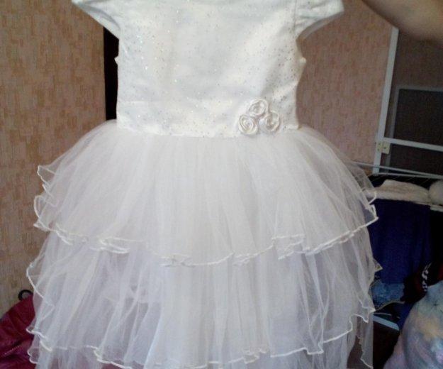 Платье для девочки очень красивое. Фото 1. Омск.