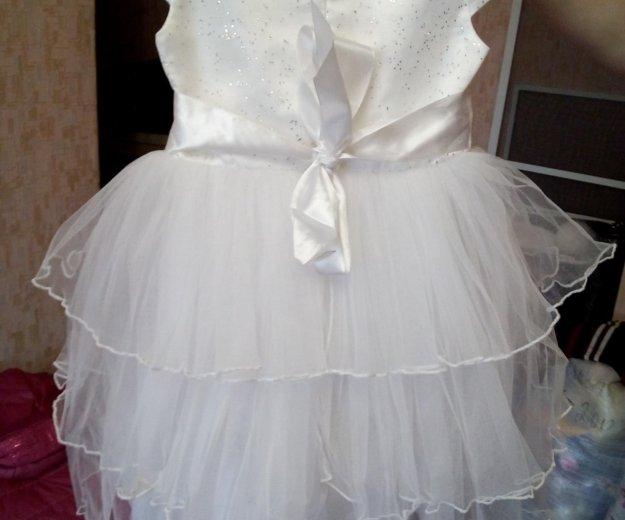Платье для девочки очень красивое. Фото 2. Омск.