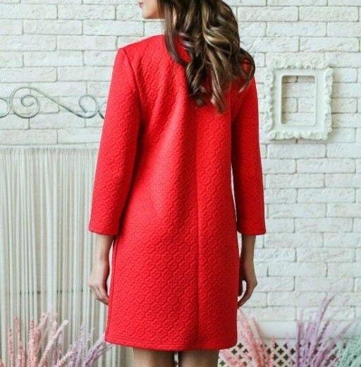 Платье красное трикотаж жаккард. Фото 2. Хабаровск.