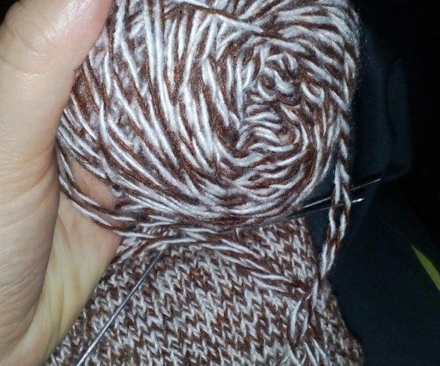 Вязаные вещи шапки варежки шарфы носки. Фото 1. Кочубеевское.