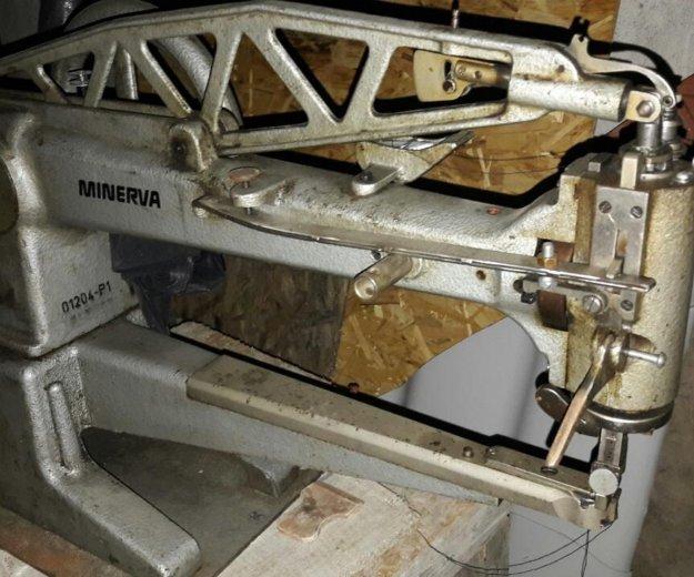 Рукавная швейная машина. Фото 1.