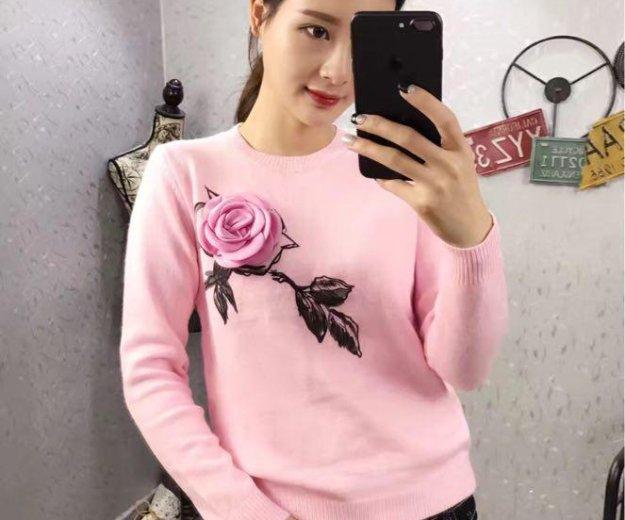 Женский свитер с розой, в наличии, 42-46. Фото 1. Москва.