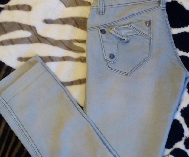 Светло серые джинсы. Фото 2. Пермь.