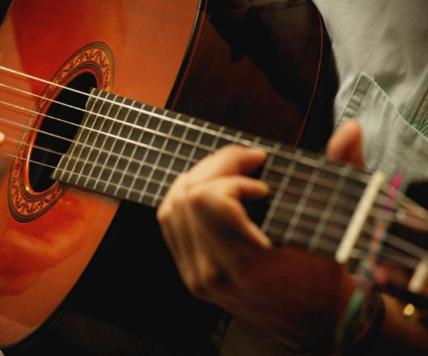 Обучение игре на гитаре. Фото 2. Сургут.