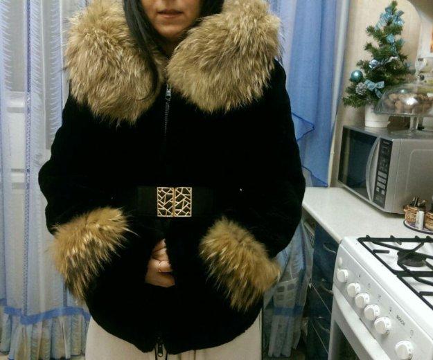 Шуба мутон с мехом енота. Фото 1. Ростов-на-Дону.