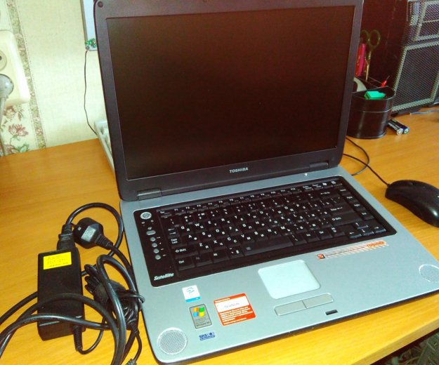 Почти новый ноутбук toshiba satellite m40x. Фото 1. Челябинск.