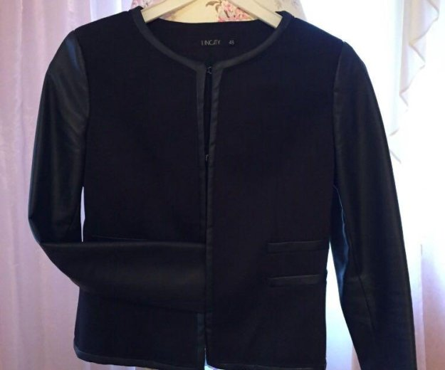 Пиджак с кожаными рукавами. Фото 1. Наро-Фоминск.