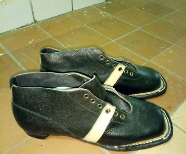 Ботинки ллыжные. Фото 1. Зеленоград.