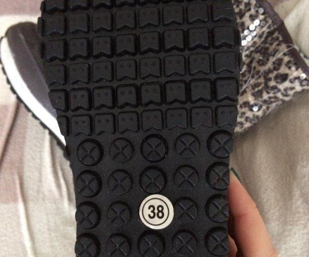 Новые дутики 38 размер. Фото 4. Омск.