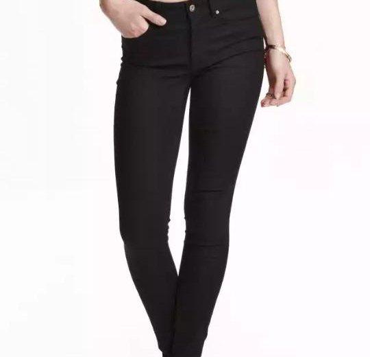 Зауженный джинсы на высокой талии из h&m. Фото 1. Саратов.
