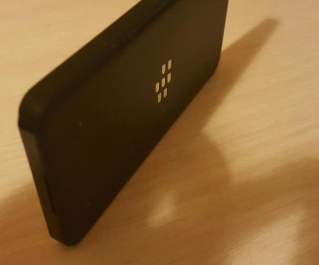 Blackberry z10. Фото 4. Видное.