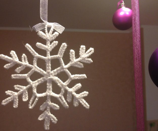Снежинка, гирлянда. Фото 1. Санкт-Петербург.