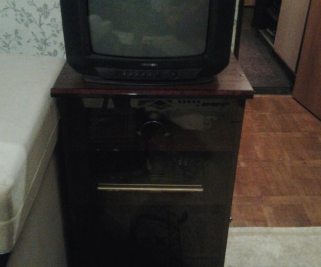 Телевизор с тумбой под тв. Фото 1. Санкт-Петербург.
