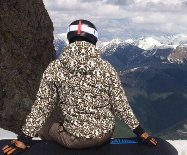 Сноубордическая куртка новая. Фото 1. Москва.