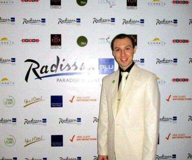 Шикарный костюм с золотым оттенком+подарок галстук. Фото 3. Ростов-на-Дону.