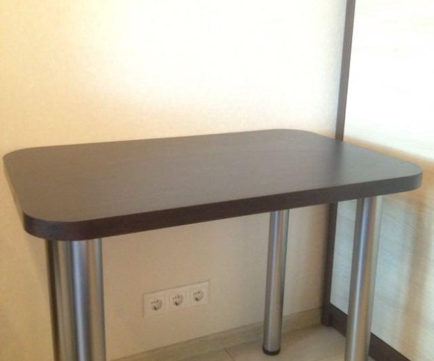 Кухонные столы. Фото 3.