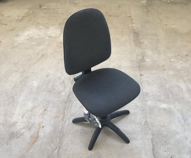 Кресло без подлокотников. Фото 1. Сочи.