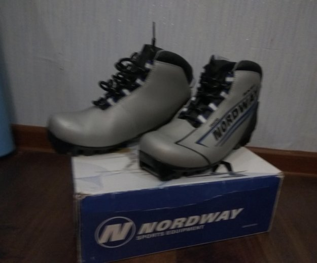 Ботинки лыжные. Фото 1. Зеленоград.