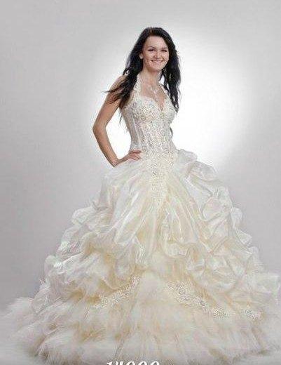 Новое свадебное платье. Фото 1. Санкт-Петербург.