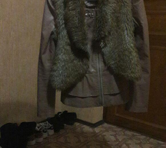 Куртка с меховой жилеткой. Фото 1.