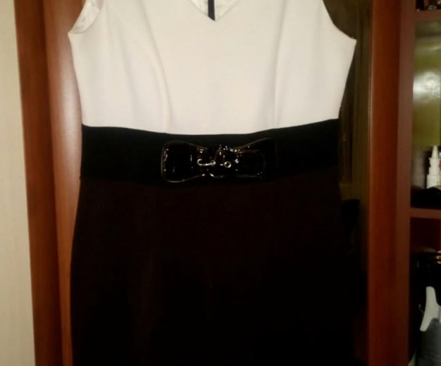 Платье 50-52 размер. Фото 1. Тельмана.
