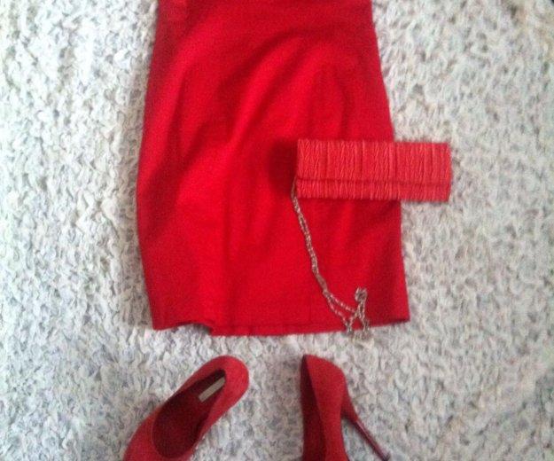 Маленькое красное платье. Фото 1. Москва.