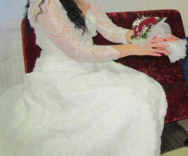 Свадебное платье с шлейфом. Фото 2. Славянск-на-Кубани.