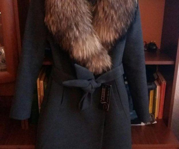 Пальто зимнее с шикарным мехом. Фото 1. Москва.