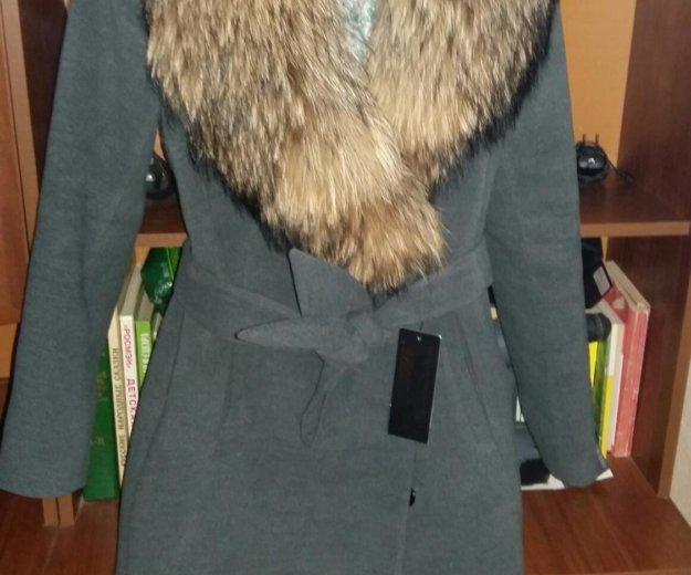 Пальто зимнее с шикарным мехом. Фото 2. Москва.